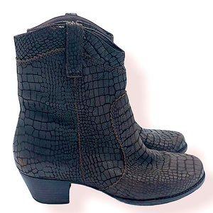 Elites by walking cradles brown leather ankle boot